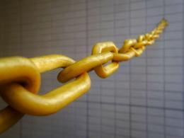 chain by Franck V. unsplash.com