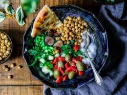 Vegetable dish  - Photo by Edgar Castrejon on Unsplash